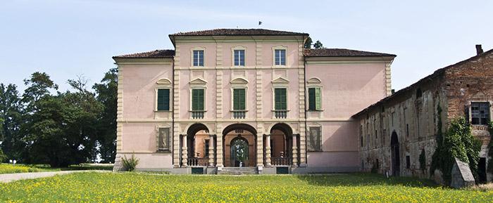 villa-caramello-fronte-slide