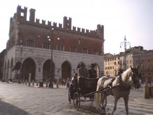 in carrozza a Piazza Cavalli