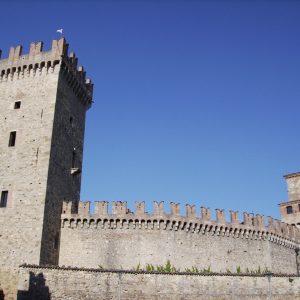 Vigoleno, visita guidata alla città murata